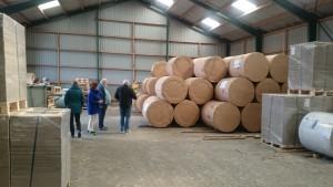 Papirruller. 12 km papir, 600 kg, 1 m i diameter, per rulle!